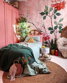 Affordable Diy Bohemian Bedroom Decor Ideas To Try Asap - Bohemian eclectic decor is an unique personal statement deriving inspiration from a variety of cultures and a broad spectrum of vintage spaces. A cura. Bohemian Decoration, Bohemian Bedroom Decor, Modern Bedroom Design, Bedroom Designs, Bed Styling, My New Room, Home Bedroom, Room Inspiration, Interior Design