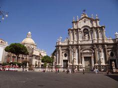 O lista de sfaturi utile pentru cei care vor sa vada Catania, Italia: principalele obiective turistice din Catania, cazare ieftina, masa, etc. De retinut !
