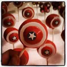 Happy Avengers! Made some Captain American cakepops for my cousin and butterfly pops for my girl cousin lol. Instead of fondant, I used sugar sheets cause it was way cheaper and faster to punch the stars with the punching tools by Wilton.