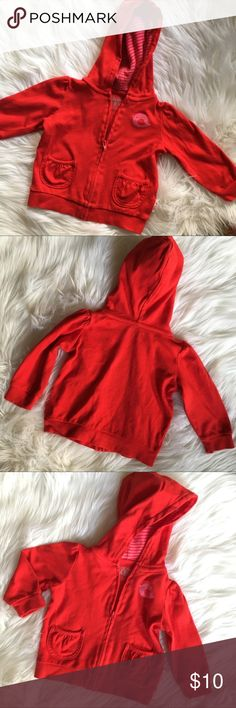 Giggle Baby 3-6 mo red bird cotton hoodie Sooo cute! Giggle Baby 3-6 month red and pink bird motif cotton hoodie. In excellent pre-owned condition!  Visit my women's closet @designhive to BUNDLE together and SAVE more! Just tag me in each listing you would like to bundle! giggle baby Shirts & Tops Sweatshirts & Hoodies