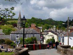 Lostwithiels jährliches Festival für Kunst, Handwerk und Musik verwandelt einen Sonntag lang das Städtchen in einen quirligen Treffpunkt mit buntem Treiben. Für die kleine, knapp 3.000 Einwohner zählende Stadt mitten in Cornwall, ist das Lostfest sicher der mit Abstand größte