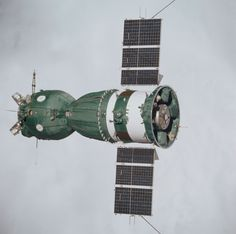 """July 1975 – A Soviet Soyuz seen from an American Apollo spacecraft during the joint U. mission known as the Apollo-Soyuz Test Project: """"The three major components of the Soyuz are the. Apollo Spacecraft, Soyuz Spacecraft, Apollo Space Program, Nasa Space Program, Cosmos, Space Launch, Beacon Lighting, Nasa History, Space Rocket"""