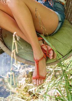 Sandales Low Tozzi - La valise de Zippora  www.sezane.com #sezane #sandales #Low #tozzi #zippora #valise #summer #suitcase