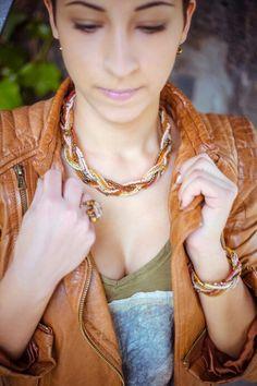 #tohobeads #kette #trend #koblenz #fashion #DIY #beads #Schmuckstück #jewerlydesigner #jewerlydesign #seedbeads #perlenbella #bracelet #necklace #glassbeads #etsy #kunstgässchen #münzplatz #schmuck #ohrringe #halskette #armband #mädchenkram  Besuche meinen Shop auf:  https://www.etsy.com/de/shop/schmuckstueckSHOP