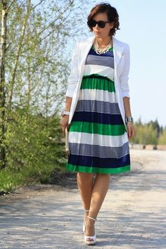 Navy-dress-white-h-m-blazer-cream-roberta-farc-wedges
