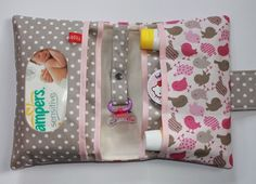 Best 12 Nappy wallet We are want to say thanks if you like to share this post to another people via Sewing For Kids, Baby Sewing, Diy For Kids, Nappy Wallet, Diaper Clutch, Changing Bag, Creation Couture, Sewing Material, Diaper Bag Backpack
