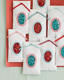 Party favors? Trust Martha to deliver the simple goods! S perfect for a wedding, but also for kiddies, with just a few jelly beans as it seems one must still sugar u kids for the journey home. Bring back the cake wrapped in a napkin, as the cake usually goes uneaten at party's end anyway!