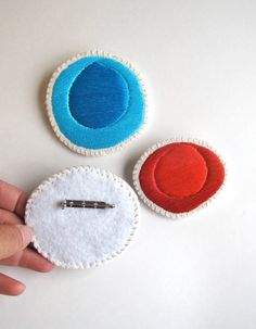 Hand embroidered brooch set of three geometric por AnAstridEndeavor