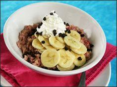 Banana Split Breakfast Bowls-just 257 calories! Great for a dessert or breakfast!