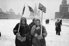 Snow storm on the Red Square, Moscow, 1960 | Photo by Marc Riboud