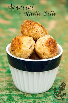 Super clever, classic Italian recipe using leftover risotto that is shaped into balls and deep fried. Tasty Rice Recipes, Tasty Dishes, Vegetarian Recipes, Yummy Food, Risotto Balls, Arancini, Party Food And Drinks, Classic Italian, Food Allergies