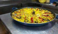 Paella valenciana   Restaurante tapería A Casa da Peteta en Vigo