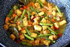 Oblok-oblok - de Indomama Tempeh, Tofu, Caribbean Recipes, Caribbean Food, Indonesian Food, Indonesian Recipes, Asian Recipes, Ethnic Recipes, Kung Pao Chicken