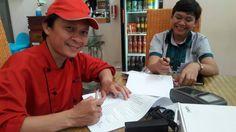 UPPD Senen menyerahkan alat e-POS di Cafe d'resto Senen
