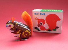 Vintage Tin Toy Squirrel Animal Clockwork MIB China 1960's