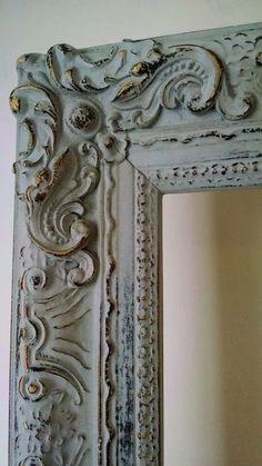 Antique Picture Frames, Vintage Photo Frames, Picture Frame Decor, Antique Pictures, Vintage Mirrors, Painting Antique Furniture, Distressed Furniture Painting, Furniture Painting Techniques, Painted Furniture