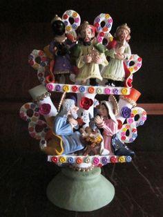 Christmas Traditions, Christmas Ideas, Arte Popular, Naive Art, Mexican Folk Art, Smurfs, Snow Globes, Portugal, Pottery
