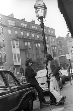 https://flic.kr/p/mXJX3 | 101070 26 | boston, massachusetts october 1970  candid, street life charles street, beacon hill  part of an archival project, featuring the photographs of nick dewolf  © the Nick DeWolf Foundation Image-use requests are welcome via flickrmail or nickdewolfphotoarchive