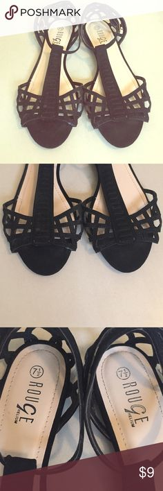 Black Sandals Size 7 1/2. Great condition. Please feel free to make an offer or to ask any question. ☺️ Shoes Sandals