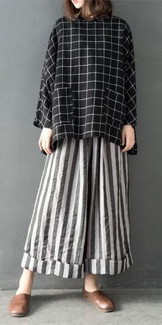 Spring loose linen wide leg pants women casual trousers 84 leather pencil skirt outfits that ll make you want a leather skirt Outfits Casual, Mode Outfits, Casual Pants, Casual Dresses, Casual Clothes, Wide Leg Linen Pants, Linen Trousers, Linen Skirt, Trendy Fashion