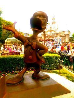 Donald Duck x)