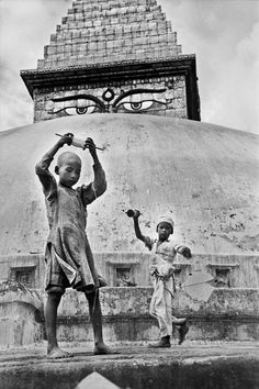 Marc Riboud, Street Photography, Art Photography, Vintage Photography, Sabine Weiss, Willy Ronis, Asia, Robert Frank, Moving To Paris