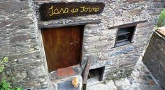 Casa do Forno Lousa – Find the best deal at HotelsCombined.com. Compare all the top travel sites at once. Browse 32 other hotels near Casa do Forno Lousa (Portugal).