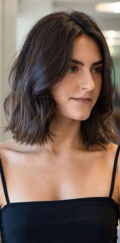 Shortish Haircuts, Haircuts For Medium Hair, Medium Hair Cuts, Short To Medium Haircuts, Medium Hair Styles, Short Hair Styles, Neck Length Hair Cuts, Cute Shoulder Length Haircuts, Short Shoulder Length Hair