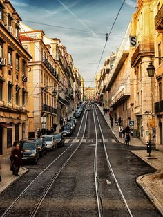 Las calles de Lisboa - The streets of Lisbon by Manuel Savariz Santos on 500px