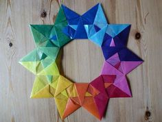 Everyday colorful: rainbow star / star wreath made of transparent paper; Origami Bird, Origami Stars, Diy Origami, Origami Paper, Diy Paper, Paper Crafts, Christmas Origami, Christmas Diy, Christmas Decorations