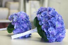 Single Hydrangea bridesmaids bouquets - periwinkle blue
