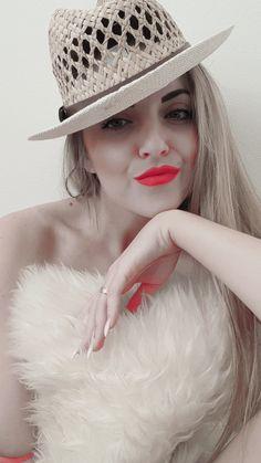 Orange Lips and favourite hat ;)