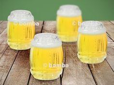 Štamprlíky v tvare súdkov sú vyrobené z pravého skla a vyzerajú rovnako ako sudy.
