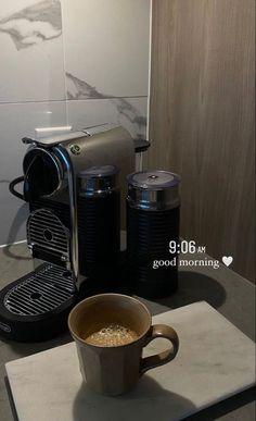 Aesthetic Coffee, Aesthetic Food, Creative Instagram Stories, Instagram Story Ideas, Mode Poster, Think Food, Coffee Love, Insta Story, Ig Story