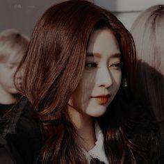 Japanese Girl Group, Kim Min, Idol, Actors, Long Hair Styles, People, Chara, Highlight, Beauty