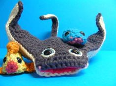 Add this manta ray amigurumi to your underwater animals collection.  Pattern by Roman Sock.