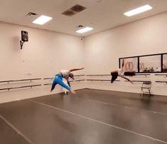 Ballet Gif, Ballet Dance Videos, Dance Tips, Dance Choreography Videos, Dance Poses, Ballet Dancers, Dance Art, Dance Music, Dancer Workout