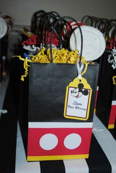 Love these favor bags at a Mickey Mouse party! See more party ideas at… Mickey Mouse Theme Party, Fiesta Mickey Mouse, Mickey Mouse Invitation, Mickey Mouse Clubhouse Birthday Party, Mickey Mouse 1st Birthday, 1st Birthday Parties, 2nd Birthday, Birthday Ideas, Birthday Games