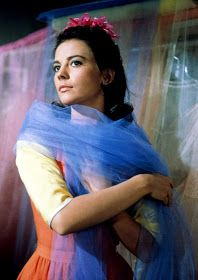 Natalie Wood as Maria in West Side Story (Robert Wise Jerome Robbins, Hooray For Hollywood, Hollywood Icons, Hollywood Actresses, Classic Hollywood, Old Hollywood, Hollywood Pictures, Classic Actresses, Female Actresses, Golden Age Of Hollywood