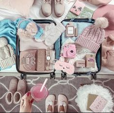 Travel Essentials For Women, Winter Essentials, Packing Tips For Travel, Travel Items, Travel Luggage, Travel Bag, Comfy Airport Outfit, Tote Backpack, Travel Organization