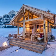 Amazing Cozy Tiny Chalet Grand Flüh by Steiner Art Design Tiny House Cabin, Log Cabin Homes, Tiny House Living, Beautiful Small Homes, Chalet Style, Winter Cabin, Cabin Design, Cabana, Cabins In The Woods