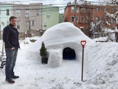 From an impressionist painting to a handmade igloo, take a look at these unique Airbnb listings. Un Igloo, Igloo Building, Airbnb Rentals, Milan Design, Grand Designs, New York, Location, Installation Art, Brooklyn