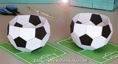 ballons de foot en papiers