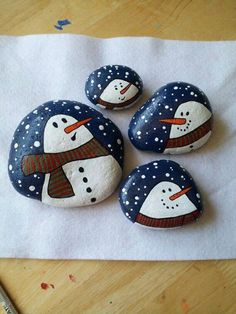 pebble painting - snowman