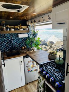 Van Conversion Interior, Van Interior, Bus Living, Tiny House Living, Bus Camper, Camper Life, Motorhome, Van Home, Bus House