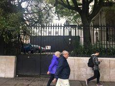 Pasará a llamarse Casa Creativa del Sur y funcionará en el ámbito de la Secretaría de Cultura y Creatividad. El mural con Kirchner, Cristina y Chávez ya fue tapado. Pablo Javier Blanco El mural don…
