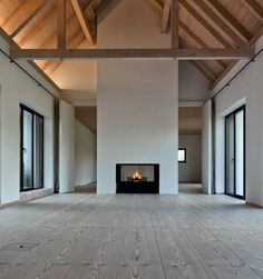 Amerikanische Häuser Hauptschlafzimmer The Flower Guide For The Weekend Gardener Everyone needs some Modern Fireplace, Fireplace Design, Concrete Fireplace, Bedroom Fireplace, Fireplace Ideas, Paint Your House, My Dream Home, Dream Homes, Great Rooms