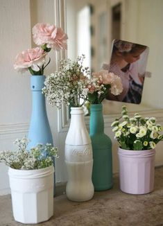 DIY : 20 idées pour relooker sa vaisselle à prix mini Are you tired of your white dishes too wise and too classic? Take out felt-tip pens, paint and varnish, we will tell you how to relook it all! Diy Home Decor, Room Decor, Diy Decorations For Home, Vase Decorations, Decoration Bedroom, Wall Decor, Home And Deco, Diy Hacks, Diy And Crafts