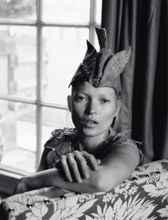 EDITORIAL, FEATURED  KATE MOSS BY TIM WALKER FOR LOVE MAGAZINE NO.8
