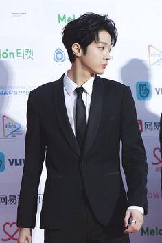 Wanna-One - Lai Guanlin Yoo Seonho, Guan Lin, Lai Guanlin, Lee Daehwi, Ong Seongwoo, Kim Jaehwan, Ha Sungwoon, Produce 101, Kpop